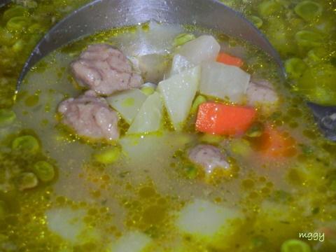 Zöldséges májgombóc leves