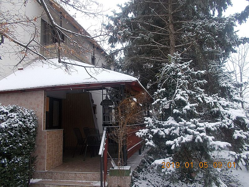 http://kepmester.silihost.hu/images/279/10673/00000512.jpg
